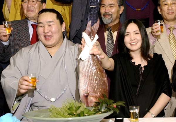 朝青龍と妻